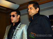 Max Luxury Watch Chairman-Arun Mehta and Salman ...