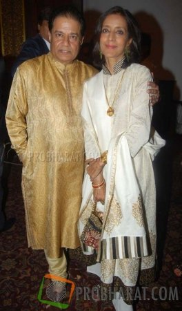 Anup Jalota with wife Medha