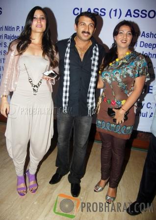 Urvashi Chaudhari, Manoj Tiwari and Sweety Chhabra