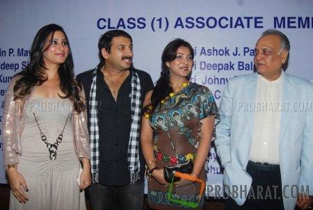 Urvashi Chaudhari, Manoj Tiwari, Sweety Chhabra and T.P. Agarwal