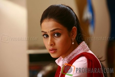 Still From Uthama Puthiran