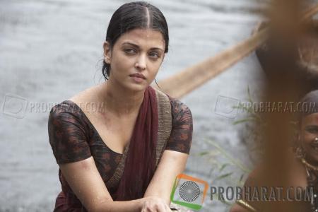 Stills from Raavanan